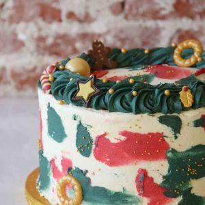 Vanilla Christmas Cake full decoration